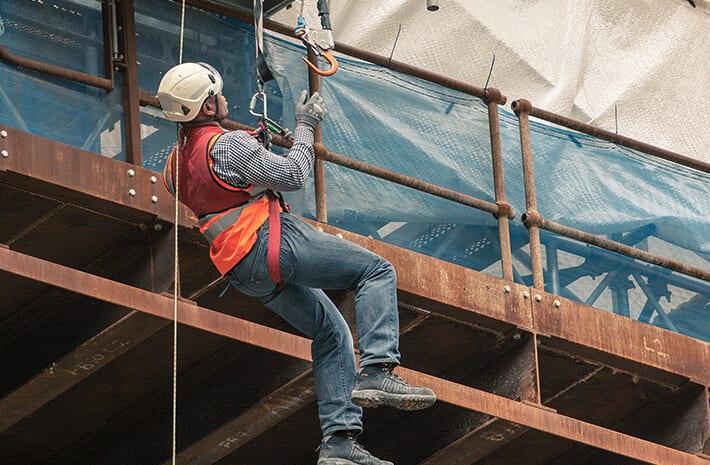 すべてのプロジェクトで、安全かつ健全な作業環境を提供します。